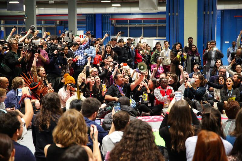 Jóvenes se manifiestan durante la COP25 celebrada en Madrid.